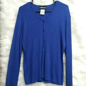 SAG HARBOR NWOT Button Front Cardigan